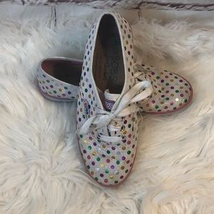 LIL' BOBS FROM SKECHERS RAINBOW POLKA DOT SNEAKERS
